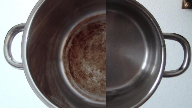 Очищайте точно по инструкции и поверхность металла останется невредимой.