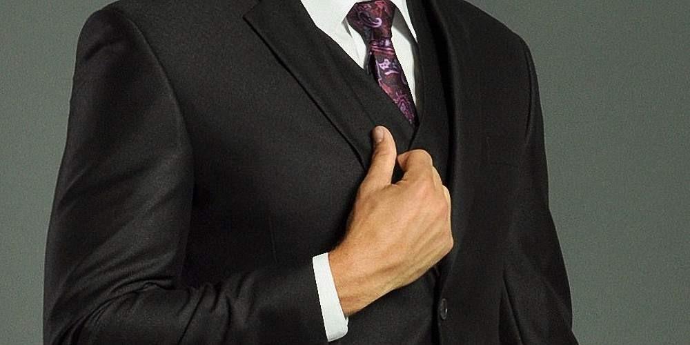 Деловой костюм должен быть всегда в ухоженном виде.