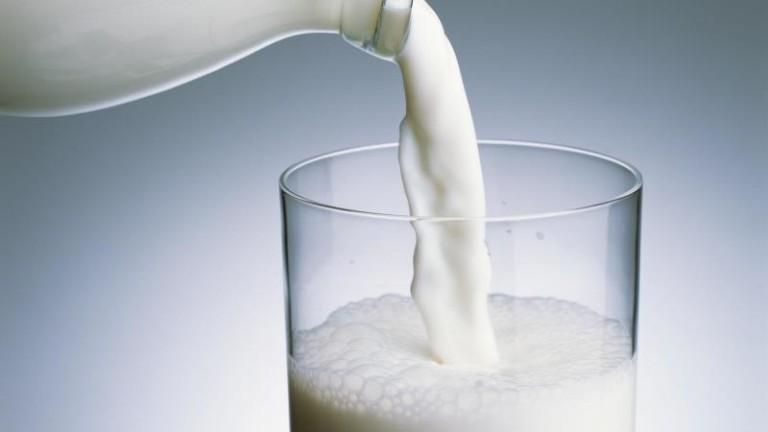 Молоко как средство против лука