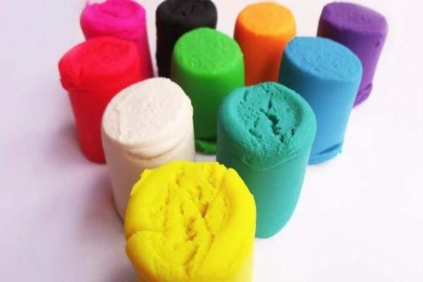 Различные цвета пластилина