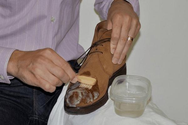 Удаляем битум с обуви