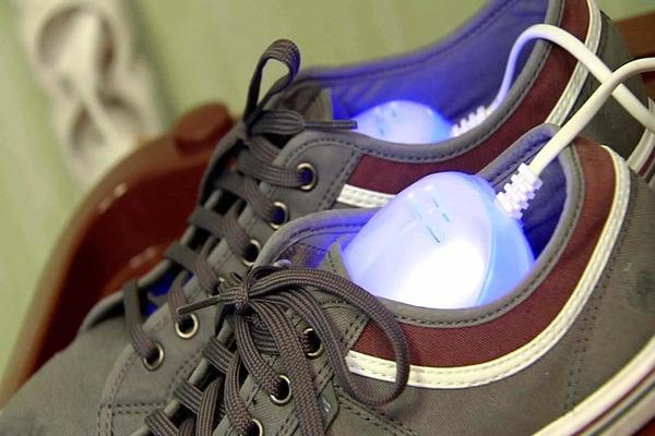 Сушим обувь спецсушилкой