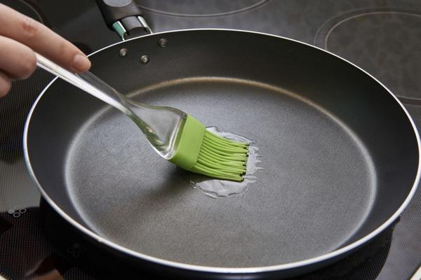 Профилактические меры, продливающие срок службы сковороды