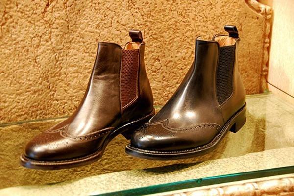 Почему скрипит обувь