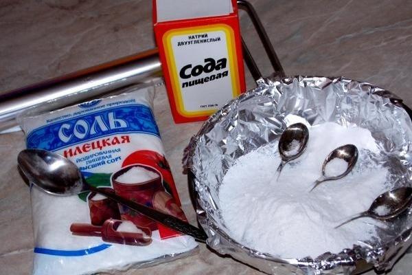 Народные методы чистки мельхиоровых приборов