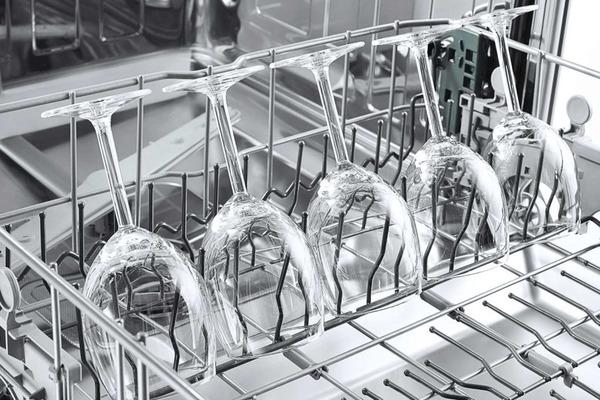 Мытье хрусталя в посудомоечной машине