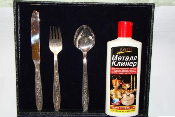 Очищаем серебро специальным средством